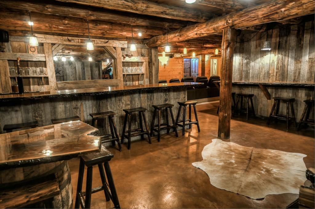 Coshocton Crest Lodge Ohio Luxury Log Cabin Rental